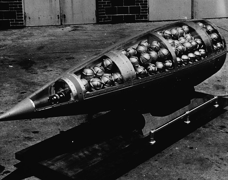 762pxdemonstration_cluster_bomb