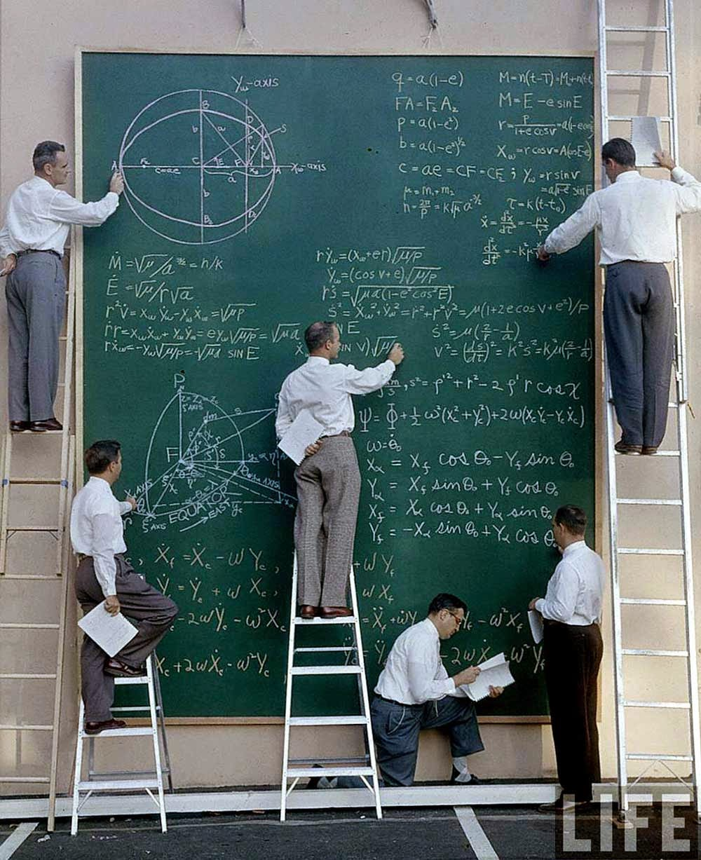 Nasa_scientists_with_their_board_of